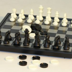 10 Magnetic Folding Chess with Checkers