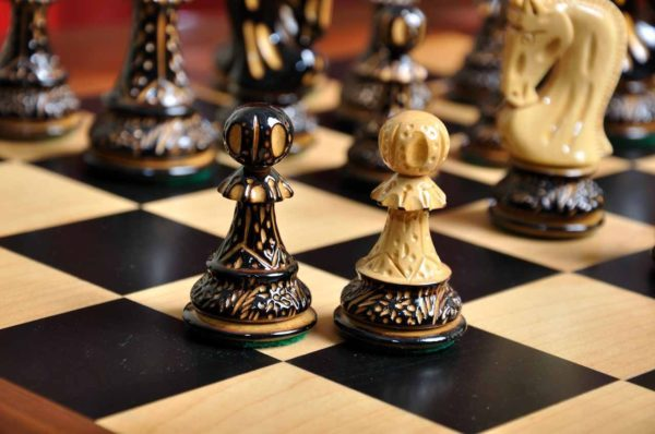 "The Burnt Zagreb '59 Series Chess Set - 3.875"" King"