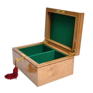 Maple Premium Chess Box - Bird's Eye Maple