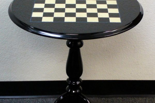 Round Large Lacquered Chess Table