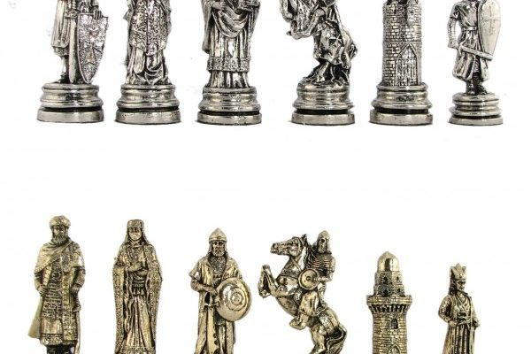 Crusaders vs Saracens Metal Chess Pieces