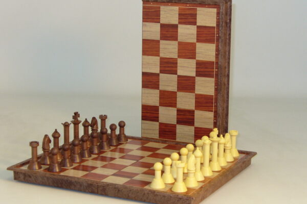 Folding Woody Magnetic Chess set